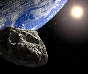 """Meteorito """"Gran Calabaza"""" pasa cerca de la Tierra y sigue su viaje en espacio"""