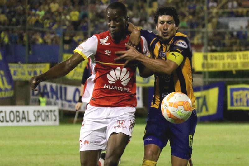 Sp. Luqueño, con gol de Di Vanni (61'), y Santa Fe, con tanto de Perlaza (61'), empataron 1-1. Foto: EFE