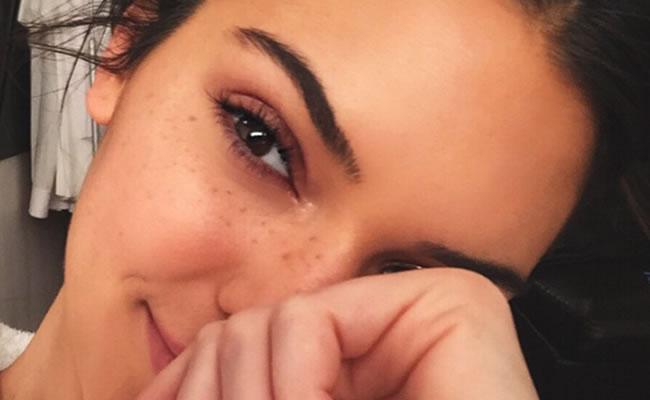 El maquillaje con pecas falsas está de moda