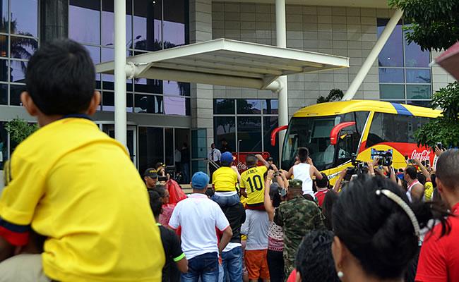 Selección Colombia: Así fue la fiesta de la gente fuera del hotel