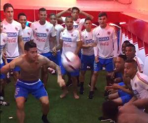 James Rodríguez se roba el show en el camerino de la Selección Colombia
