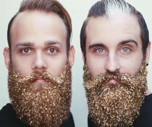 La Navidad hace presencia en la barba de los hombres