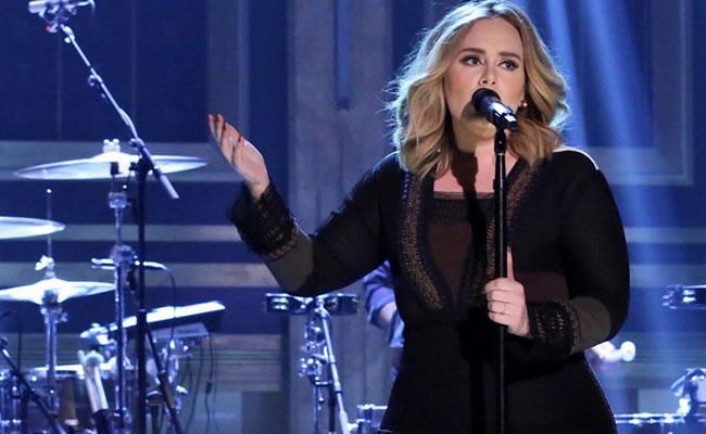 La música británica y el regreso triunfal de Adele reinaron en 2015