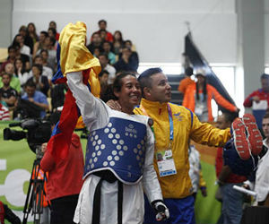 Katherin Dumar logró medalla de plata para el taekwondo colombiano