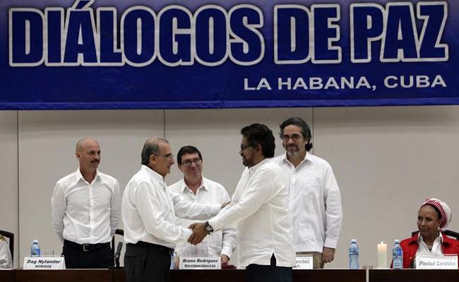 Resultado de imagen para firmas de acuerdo de paz en colombia
