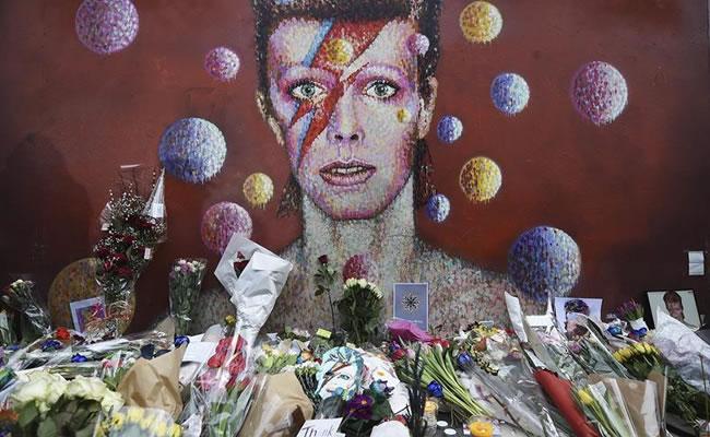 David Bowie: El mundo lamenta la muerte de la estrella de rock