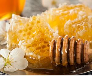 Los beneficios de la miel de abejas