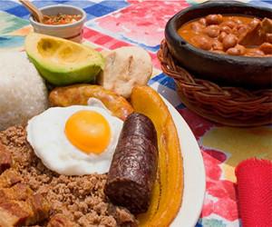 Cinco destinos para disfrutar de la gastronomía colombiana