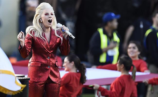 Lady Gaga y su impecable presentación en el Super Bowl 2016
