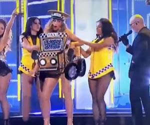 Grammy 2016: Sofía Vergara y el taxi de Pitbull