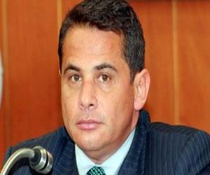 Carlos Ferro, viceministro renuncia tras escándalo sexual en la policía