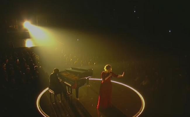 Grammy 2016: Adele se deprimió después de presentación
