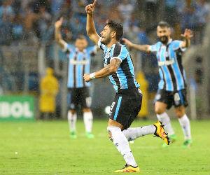 Copa Libertadores: Gremio goleó a la Liga de Quito en Porto Alegre