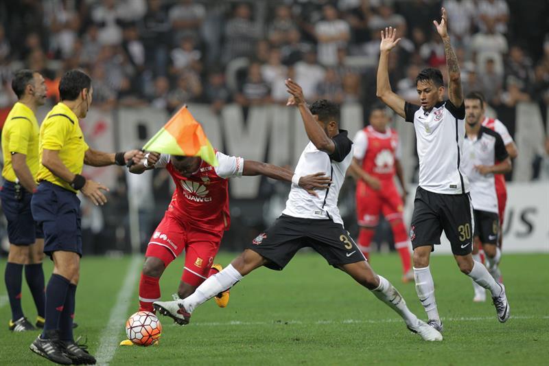 Independiente Santa Fe perdió 1-0 en su visita a Corinthians de Brasil. Foto: EFE