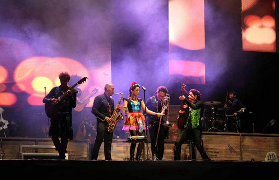 Festival Iberoamericano de Teatro de Bogotá finalizó con concierto y fuegos pirotécnicos