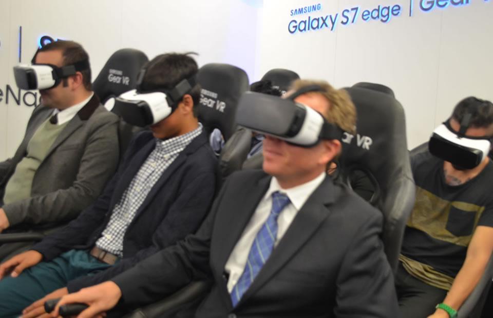 Las Gear Vr te permiten vivir una experiencia única de realidad virtual. Foto: Interlatin