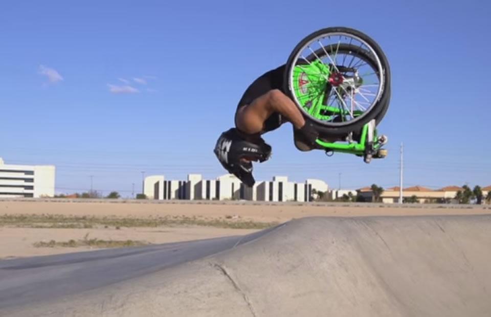 Viral: Increíbles acrobacias de un joven en silla de ruedas