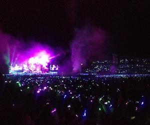 Coldplay hizo vibrar a Bogotá en una marea de colores