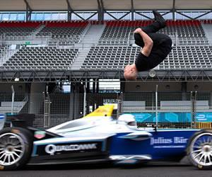 Damien Walters saltó un auto de Fórmula E de espaldas