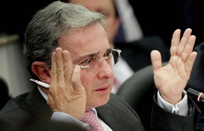 El expresidente Uribe aclara cuánto dinero tiene en el exterior