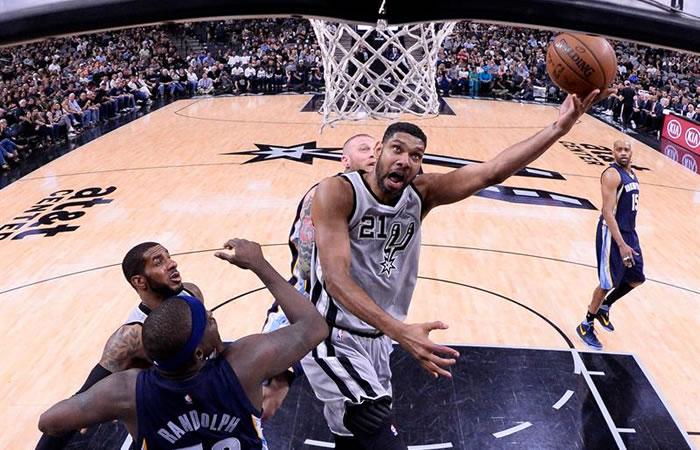 La primera jornada de ´playoffs de la NBA' dejó grandes jugadas. Foto: EFE
