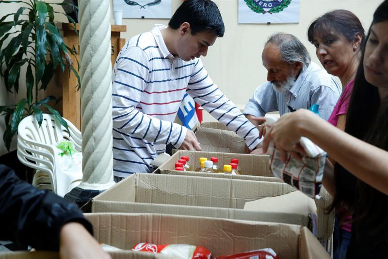 Ayudas para afectados por tonado y lluvias en Uruguay. Foto: EFE