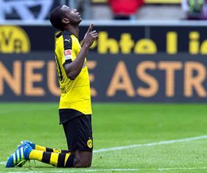 Adrián Ramos es elogiado por el técnico del Borussia Dortmund