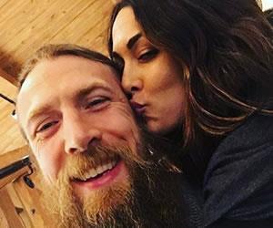 Daniel Bryan no volvería a luchar por pedido de su esposa