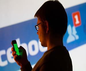 Facebook quiere que chatees con robots como con tus amigos