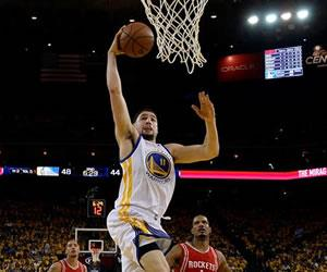 NBA: Warriors sacan ventaja, Mavericks y Raptors empatan serie