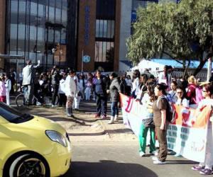 Trabajadores del Hospital de Kennedy protestan por sus derechos laborales