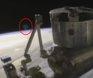 Ovni aparece en transmisión en vivo de la NASA