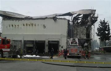 Bomberos controlan incendio en bodega de Fontibón