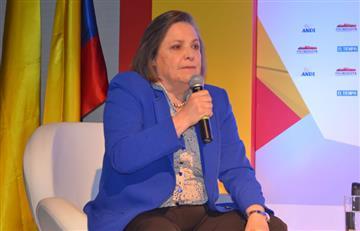 Clara López analiza si acepta el Ministerio de Trabajo