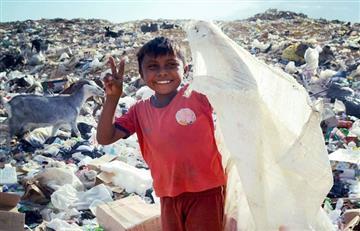 Los niños Wayúu que comen desperdicios del botadero de Uribia