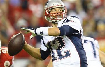 Tom Brady sancionado por usar balones desinflados