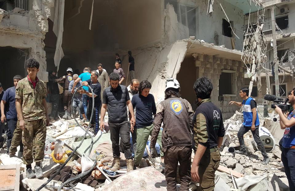 Cientos de civiles muerto por bombardeo en Alepo, Siria. Foto: EFE