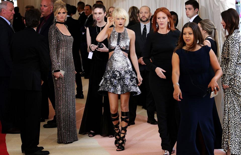 MET Gala 2016: El plateado se tomó la alfombra roja en Nueva York