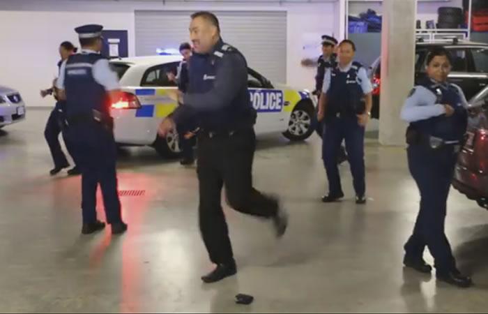 Baile de policías de Nueva Zelanda es furor en redes