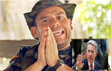 La frase con la que igualan a Álvaro Uribe con Carlos Castaño