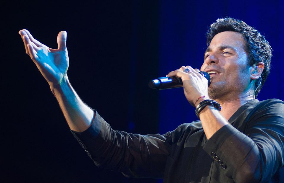 Carlos Vives y Maluma cantaron por Ecuador