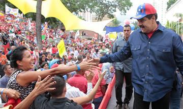 Chavismoapoya a Maduro con marchas en Caracas