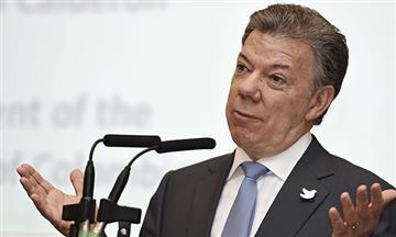 Santos compararesistenciacivil de Uribe con la de Carlos Castaño