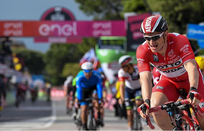 Giro de Italia: Chaves se mantiene 8° en la general