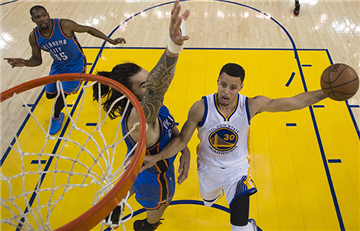 NBA: Los Golden Warriors igualan la serie