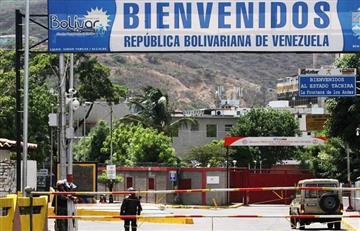 Colombianos siguen retornando de Venezuela después de cierre frontera