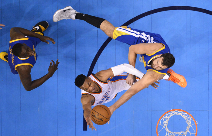 Durant derriba al MVP Curry