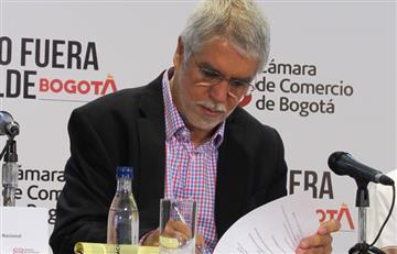 Enrique Peñalosa sale en defensa de sus títulos