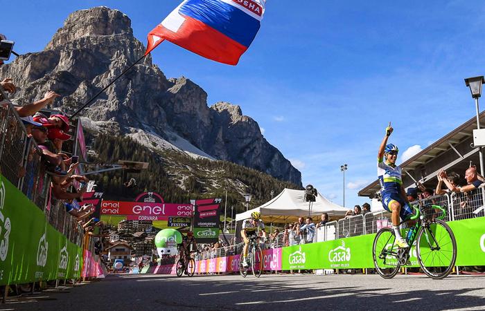 Giro de Italia: Esteban Chaves sigue en la lucha