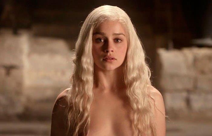 Emilia Clarke habló de sus desnudos en 'Juego de Tronos'
